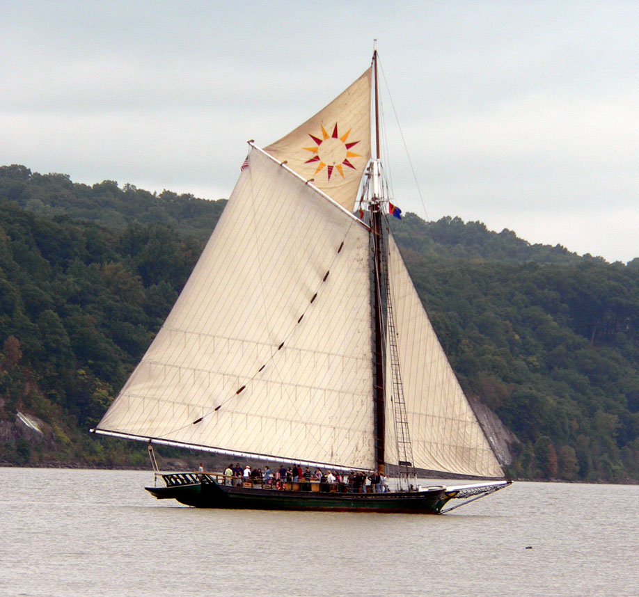 The Clearwater under sail on the Hudson River. (Bea Peterson photo)
